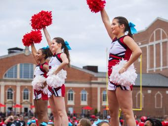 Davidson Wildcats Cheerleaders